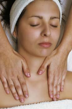 Limpieza facial: frotaciones de cuello