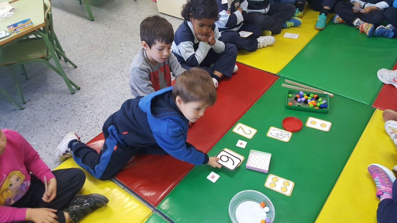 Las abejas de Infantil 5c aprenden a sumar jugando  2