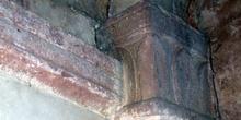 Pilar de la Iglesia de San Salvador de Priesca, Villaviciosa, Pr