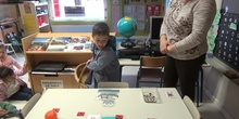 Infantil - Usando monedas y billetes
