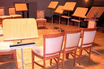 Tarima en sala sinfónica