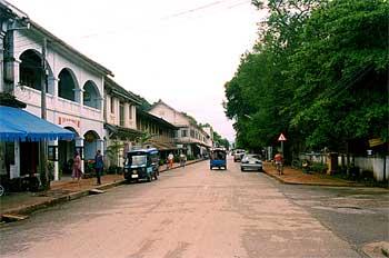 Calles de Luang Prabang. Estilo colonial, Laos