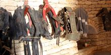 Colleras y otros utensilios para las caballerías