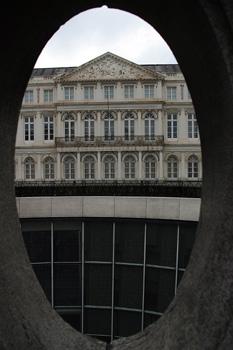 Vista del palacio de Carlos de Lorena, Bruselas, Bélgica