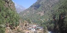 Poblado en el valle del río Dudh Koshi