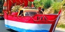 Procesión de carrozas. Barca bugi, Sulawesi, Indonesia