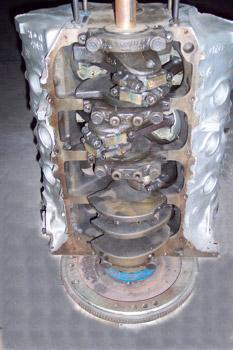 Bloque cigüeñal de un motor en V de 8 cilindros