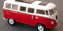 Miniatura de una furgoneta de los años 60