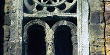 Celosía con rosetón de la iglesia de San Miguel de Lillo, Oviedo