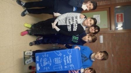 Litter Less Campaign_pesando papeleras de EcoEmbes   4