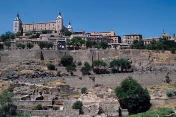 Alcázar de Toledo desde el Tajo