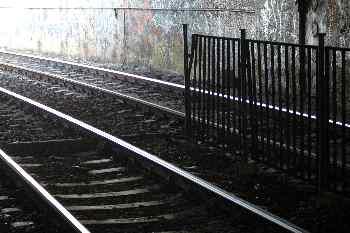 Vía de una estación subterránea, Budapest, Hungría