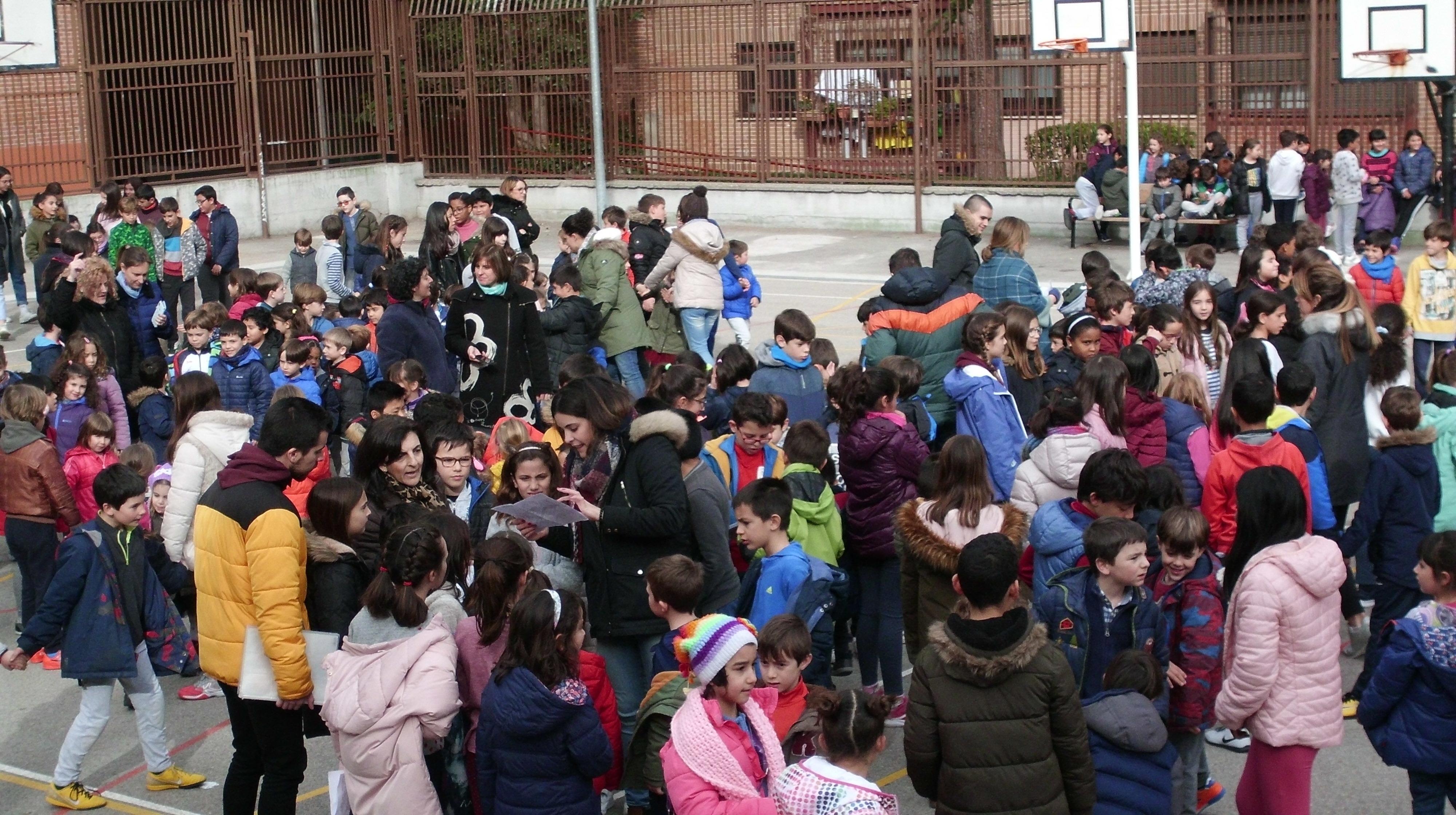 "HOSTOS: "" ESCUELA ESPACIO DE PAZ"" 4"