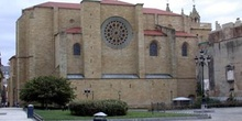 Iglesia con rosetón