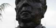 Monumento a Don Pedro Escartín,  seleccionador nacional y árbitr