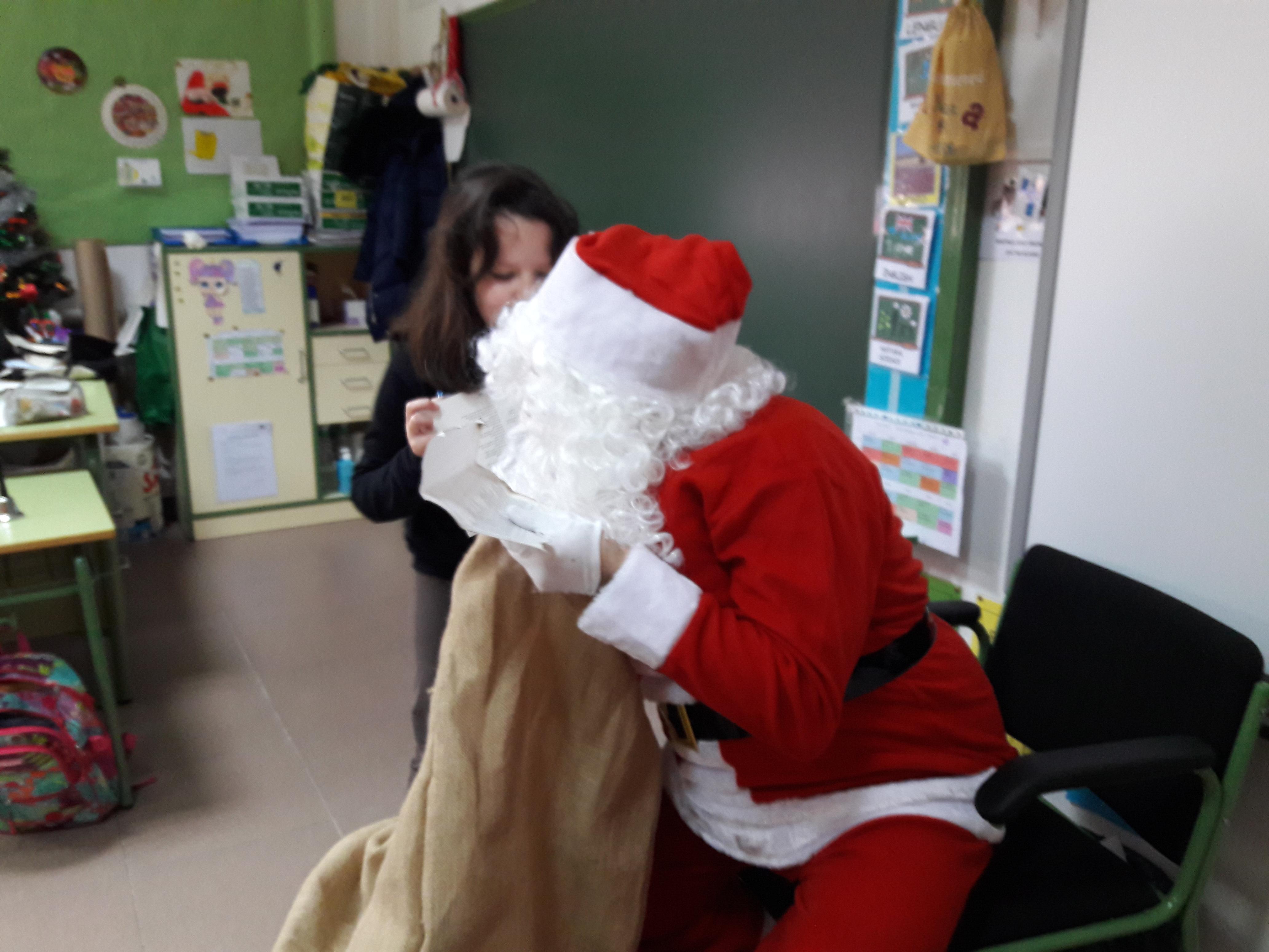 Santa Claus comes to School 19