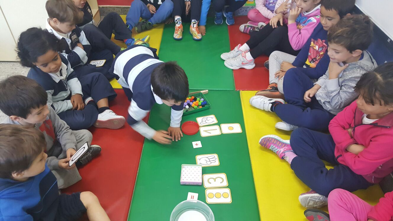 Las abejas de Infantil 5c aprenden a sumar jugando  9