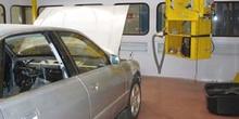 Puesto de reparación  de carrocerías de aluminio