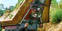 Carroza diseñada como una casa-barco Toraja, Sulawesi, Indonesia