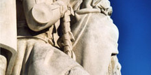 Detalle del Monumento a los Descubridores, Lisboa, Portugal