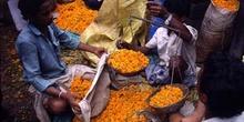 Venta de flores al peso, Calcuta, India