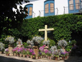 Cruz de Mayo en el Palacio de Viana, Córdoba, Andalucía