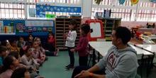 entrevista alumnos de 5 años al profesor de EF