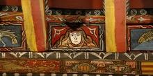 Detalle de pintura en alfarje. Cara humana, Huesca