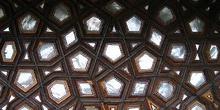 Interior del Mihrimah Camii en Uskudar, Estambul, Turquía