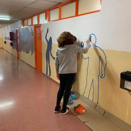 Intervención artística en el pasillo de 2º ESO del edificio B 1