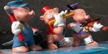 Muñecos de los tres cerditos