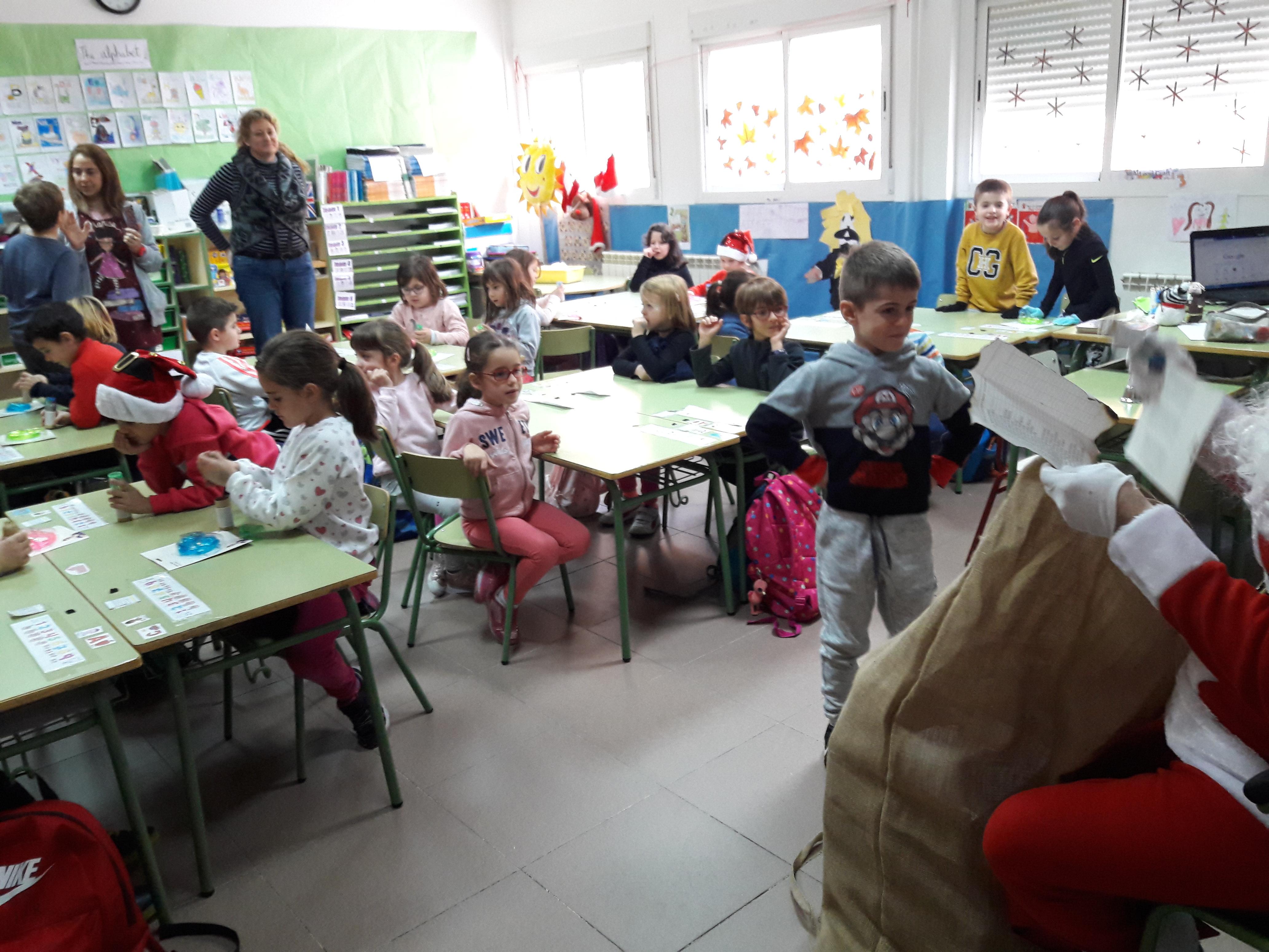 Santa Claus comes to School 18