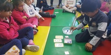 Las abejas de Infantil 5c aprenden a sumar jugando  12