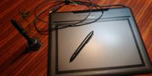 Tableta gráfica y lapiceros