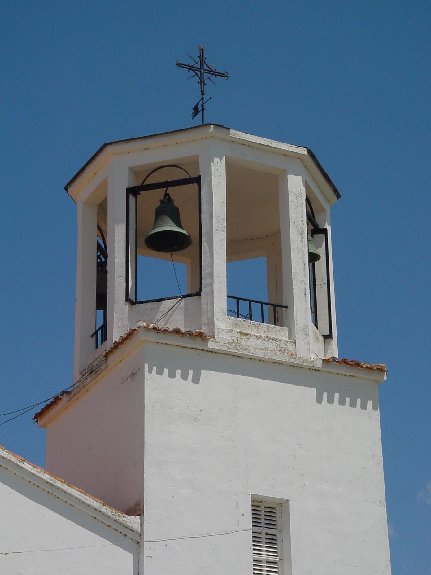 Campanario de iglesia en Villamanrique de Tajo