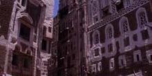 Calle en la ciudad vieja de Sanaa, Yemen