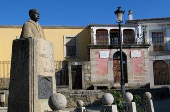 Estatua y casa de Gabriel y Galán, Guijo de Granadilla, Cáceres