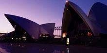 Anochecer sobre la ópera de Sydney