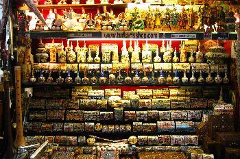 Tiendas en el Gran Bazar, Estambul, Turquía