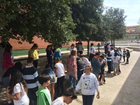 2017_04_21_JORNADAS EN TORNO AL LIBRO_TALLER PAPEL RECICLADO_5º Y 6º 34