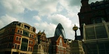 Saint Mary Axe desde Liverpool Street, Londres