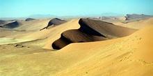 Ondulaciones en las dunas, Namibia