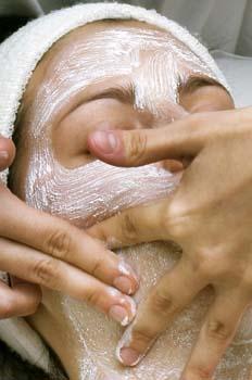 Limpieza facial: realización de la exfoliación