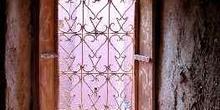 Reja artesanal de una ventana