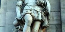 Estatua de Cervantes en Biblioteca Nacional, Madrid