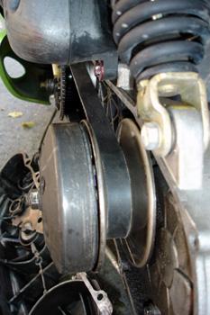Ciclomotor. Variador. Polea de salida con zapata de arrastre