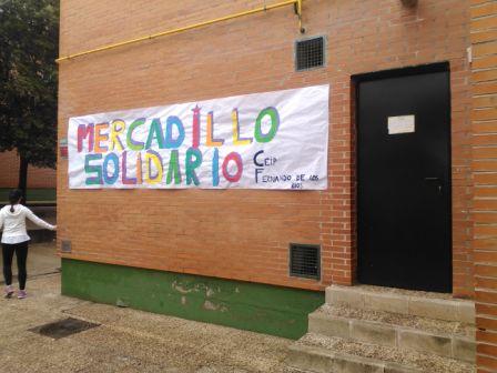 2017_01_MONTANDO EL MERCADILLO SOLIDARIO 11