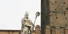 Estatua de San Petronio, Bolonia