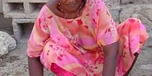 Mujer con rodillo, Rep. de Djibouti, áfrica