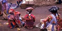 Vendedoras en el mercado de Antigua, Guatemala